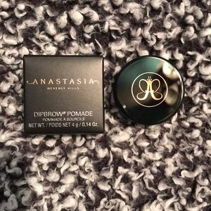 ABH- Dipbrow Pomade (soft brown)